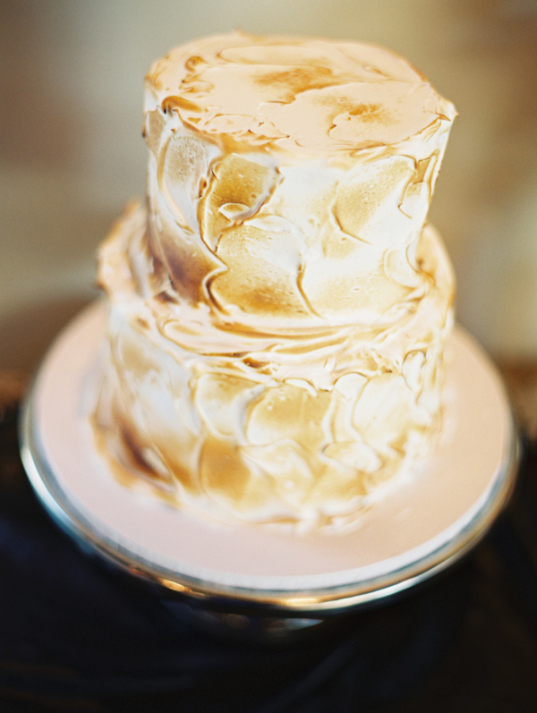 Featured on the blog  Ruffled  | Wedding Cake by:  The Sugar Lab  | Photography by:  Lavender & Twine