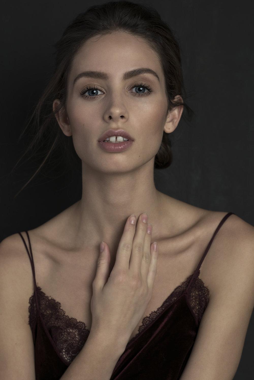 Andee_Katie_Elwood_Key_Models_littlegold.jpg