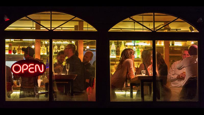LT Luckyfingers Window.jpg