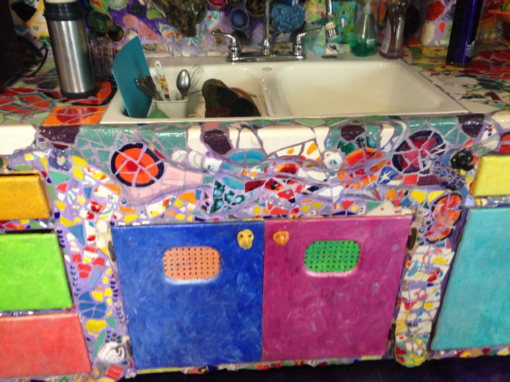 Funky and bright kitchen cabinets