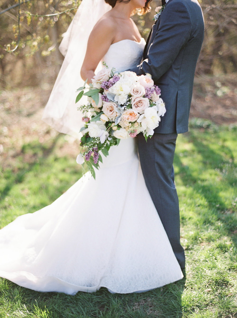 Riverside on the Potomac wedding with Wild Green Yonder Flowers | Amelia Johnson Photography | Roberts and Co. Events