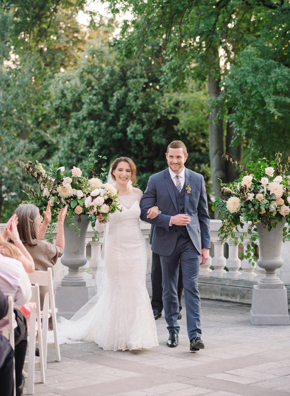 DAR Wedding Flowers by Wild Green Yonder