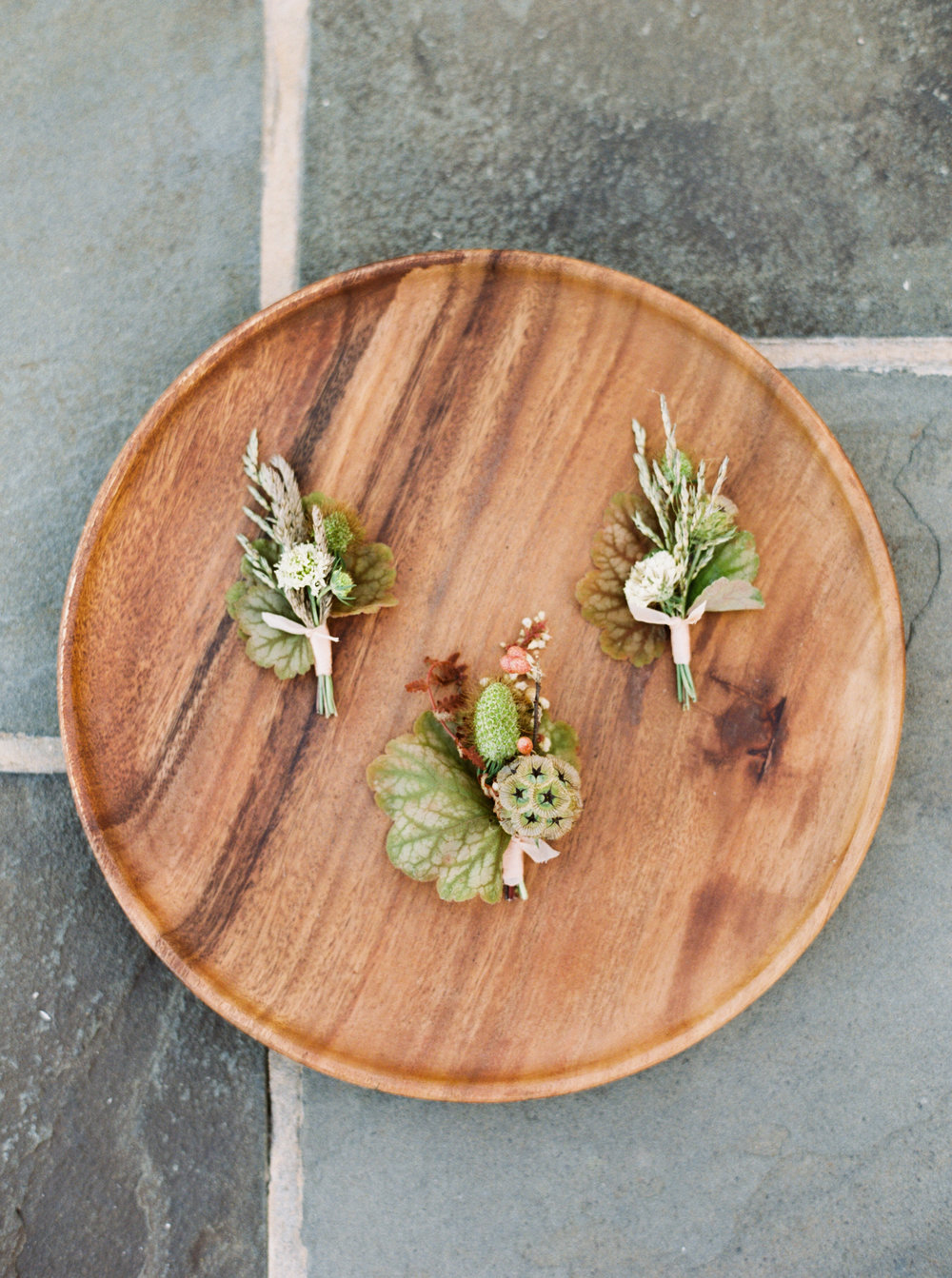 Early Mountain Vineyard Wedding - Wild Green Yonder boutonnieres