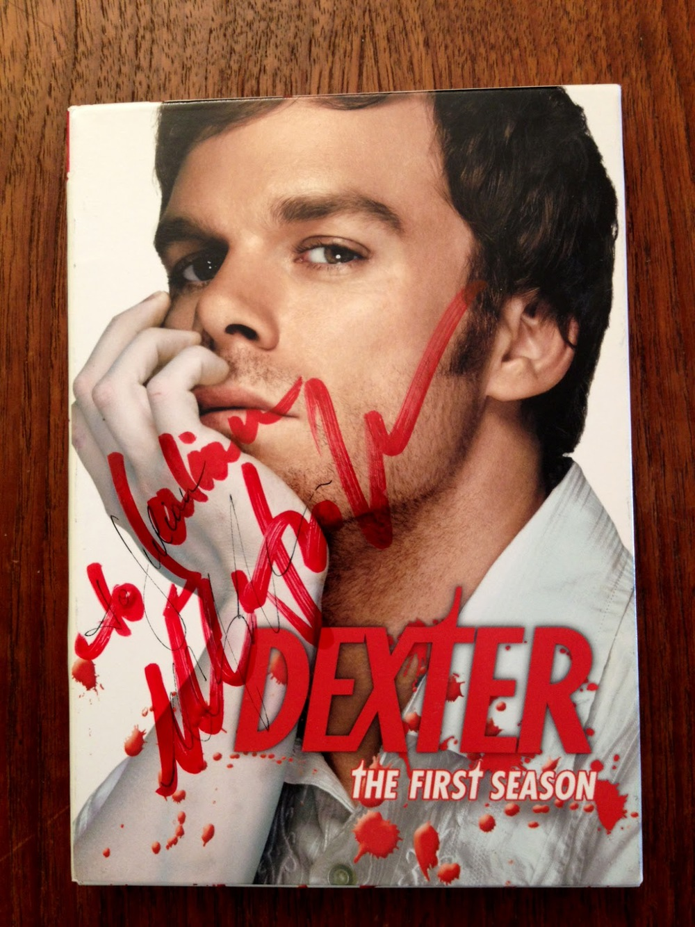 dexter-Michael-C-Hall-in-Kingston-autograph-for-the-saint-james-kingston-1.jpg