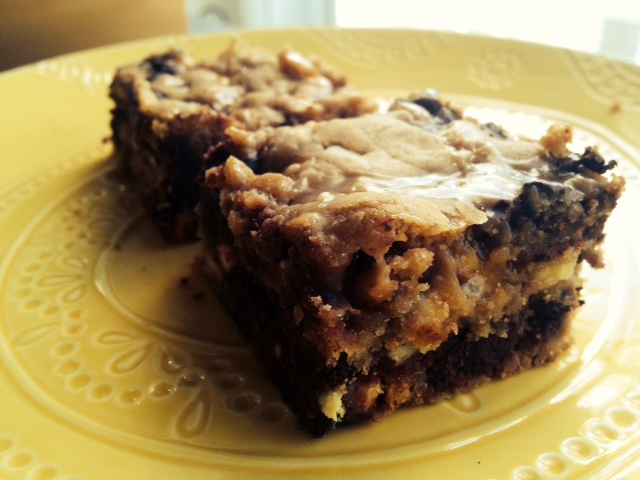 Julia's Blondies, The More You Nom