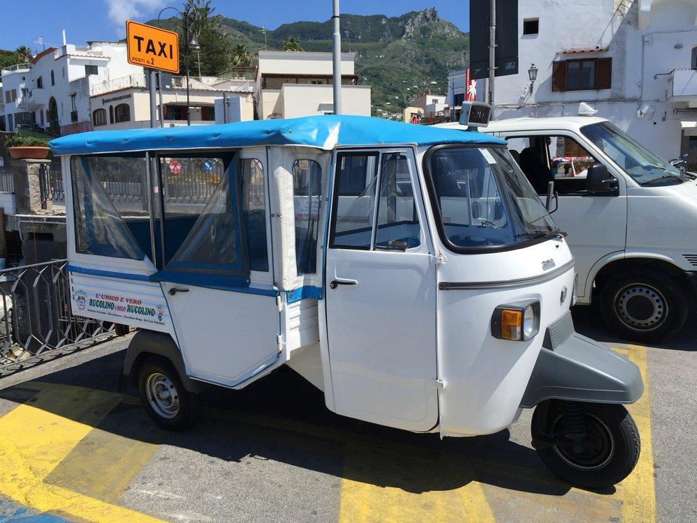 Taxi, Ischia .JPG