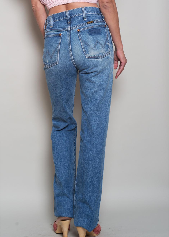 7b7fef83 1980s// Perfectly Worn WRANGLER High Waist Denim Boyfriend Jeans// 28