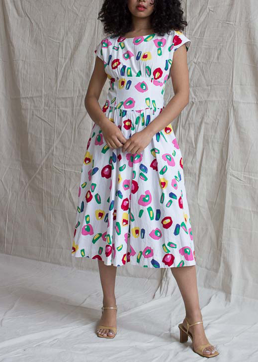 A PICNIC READY DRESS - Nothing like an easy but feminine cotton dress to join the picnic party in. We love this vintage LANZ dress for its bright colors, its fun but still understated for a day in the park