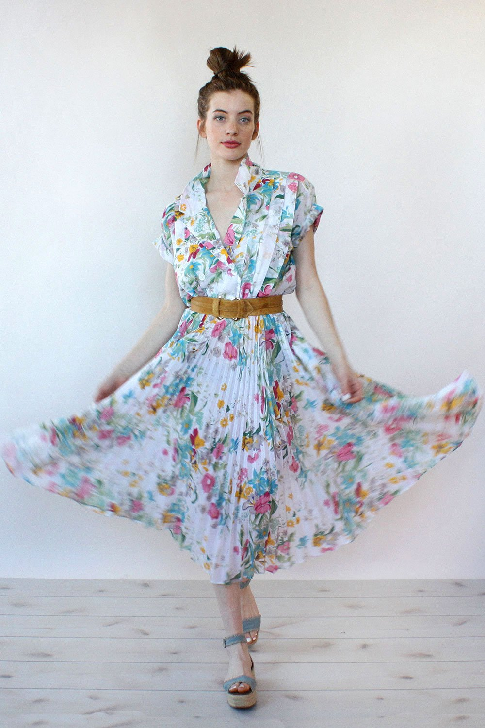 A Part of the Rest recommends Omnia Vintage Pleated Botanical Dress.jpg