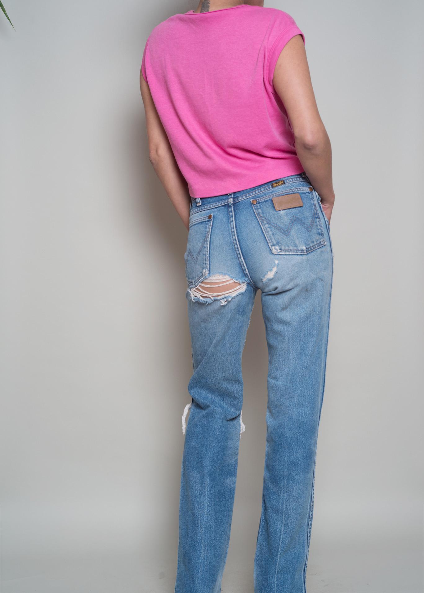 5421a6e7 1980s// WRANGLER High Waist Straight Leg Perfectly Worn Jeans// 28 ...