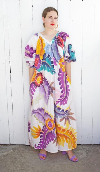 A Part of the Rest recommends- vintage summer getaway- hawaiian print muumuu coast to coast vintage.jpg