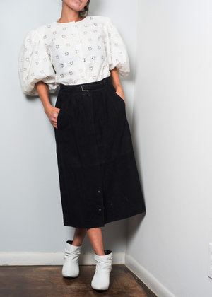 b0ab51faa2d 1970s   GUCCI Black Suede Belted Classic Midi Skirt   M