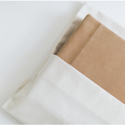 All books come with a linen dust cover!