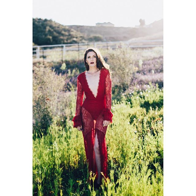 Lady in red. @3bats | 📷 @kellyelainephoto | #goldenhour . . . #deja #kellyelainephoto #revolve @revolve #pretty #redlace #redlacedress #beauty #nature #ranch #fancy #tuesday @portraitpage @portraitpills @myphotoshop_ #myphotoshop_