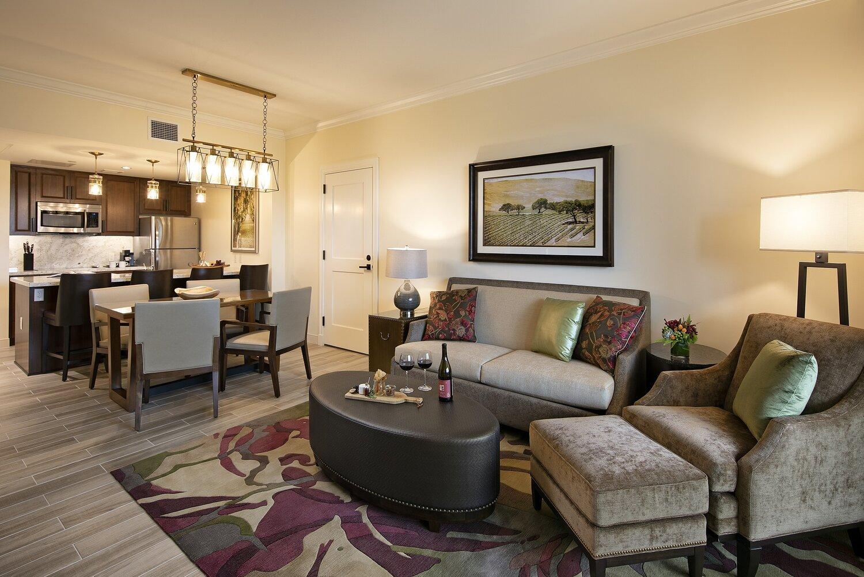 gallery-VC-guestrooms-suitelivingroomkitchen.jpg