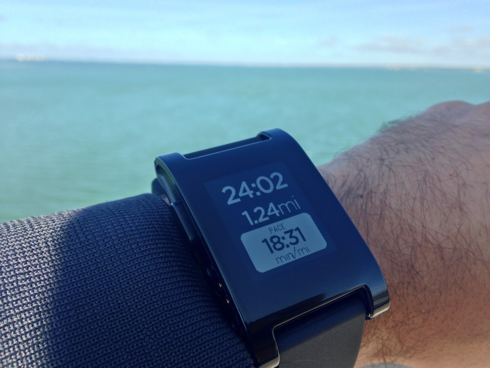 Pebble smartwatch Runkeeper app