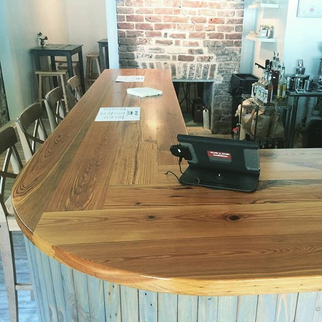For those of you who weren't able to stop by for the opening, here is another view showing more of the countertop and it's neat joinery details  @cuptocupcafe. #oxformstudio #designbuild #customcarpentry