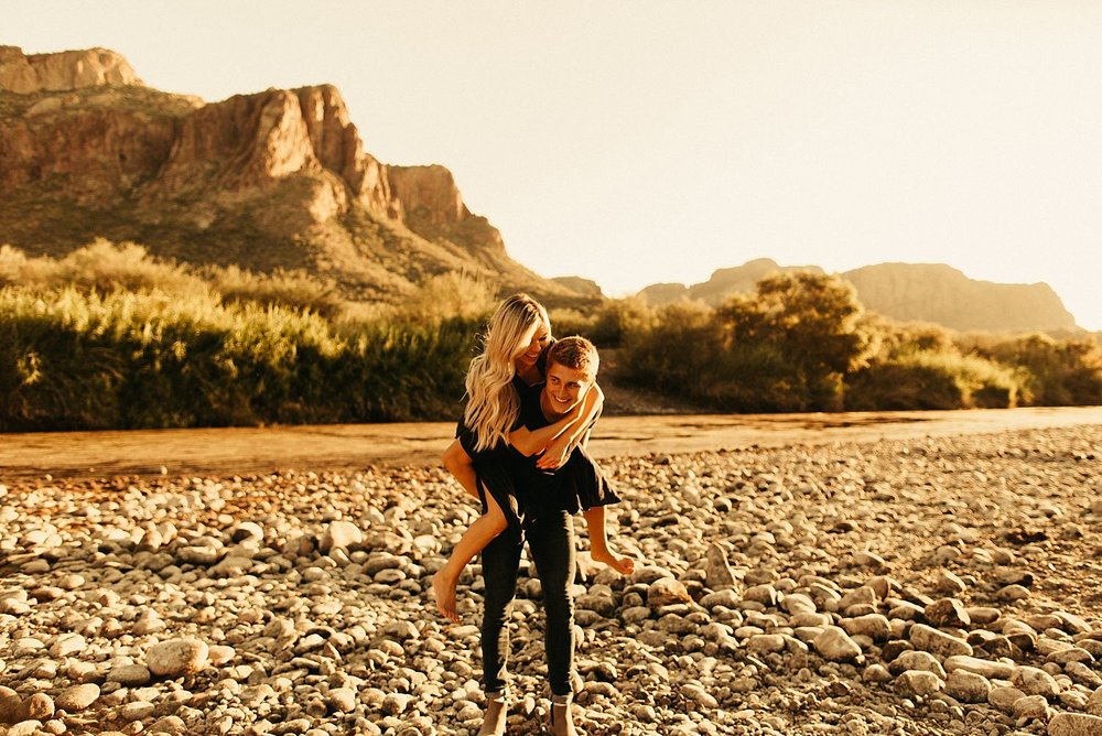 salt-river-arizona-engagement-session_0396.jpg