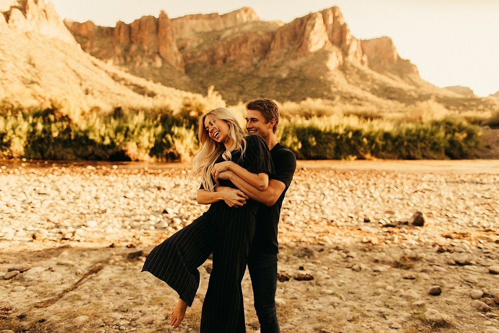 salt-river-arizona-engagement-session_0400.jpg