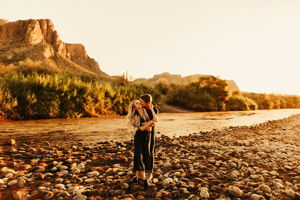 salt-river-arizona-engagement-session_0427.jpg