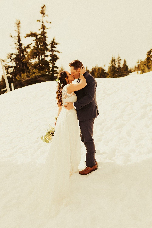 mt-hood-timberline-lodge-wedding_1241.jpg