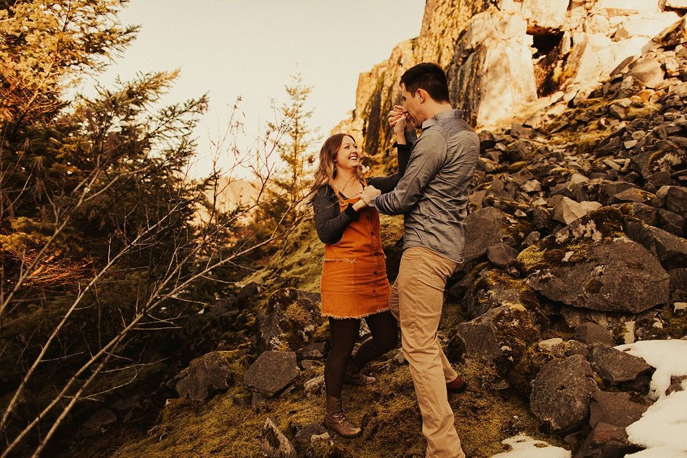columbia-river-gorge-engagement-session_1591.jpg