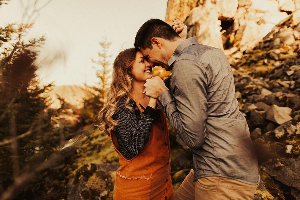 columbia-river-gorge-engagement-session_1592.jpg