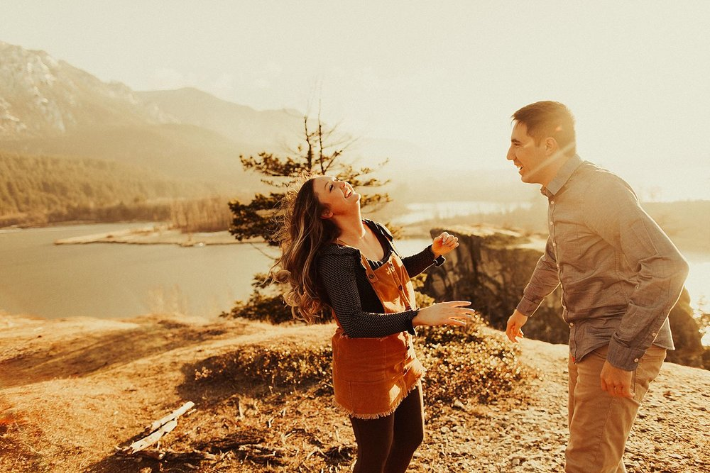 columbia-river-gorge-engagement-session_1600.jpg