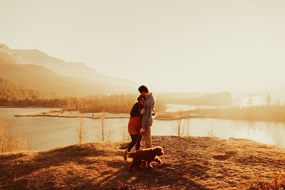 columbia-river-gorge-engagement-session_1627.jpg
