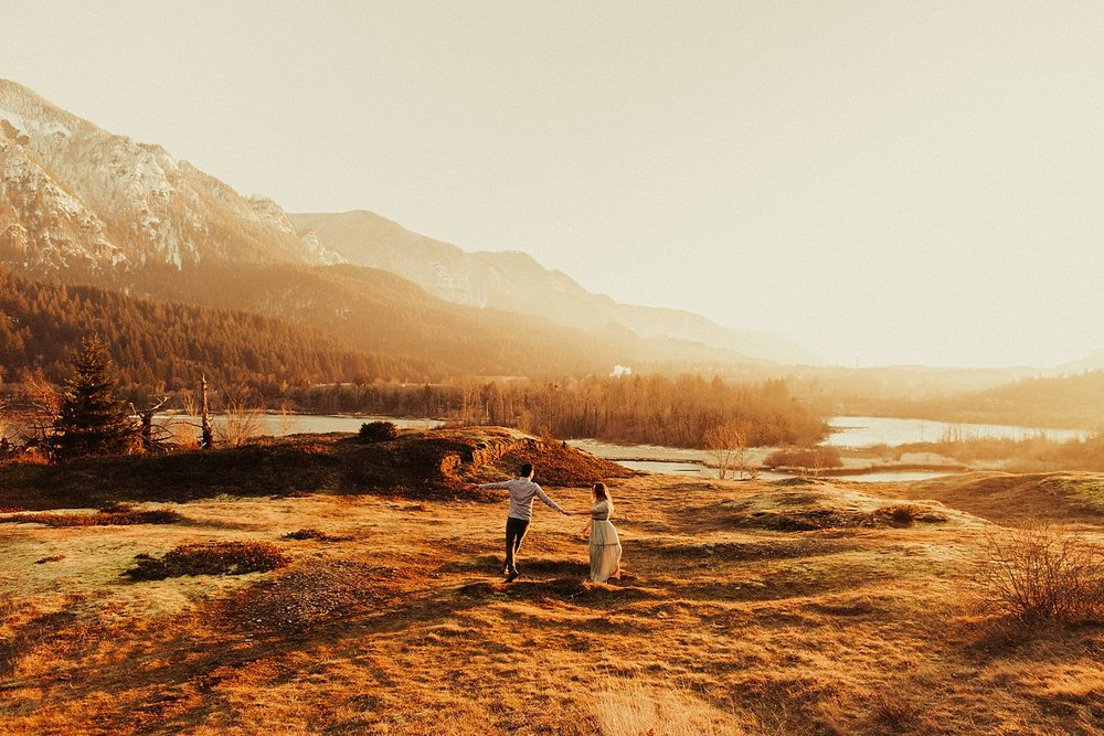 columbia-river-gorge-engagement-session_1633.jpg