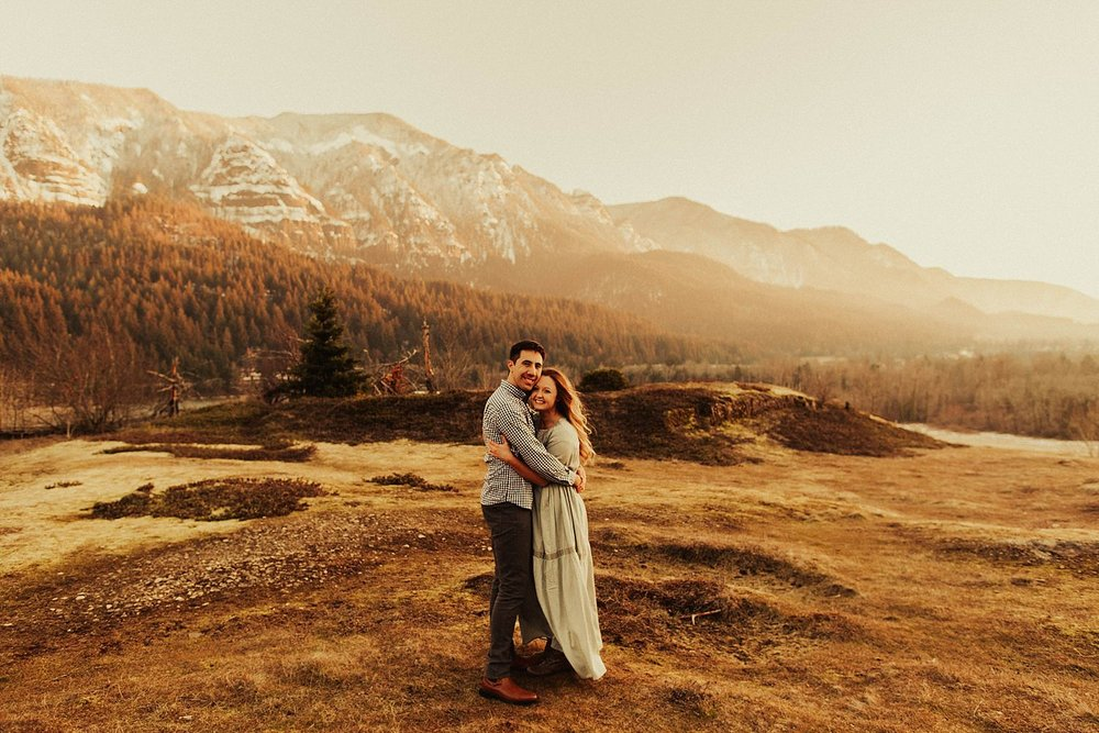 columbia-river-gorge-engagement-session_1640.jpg