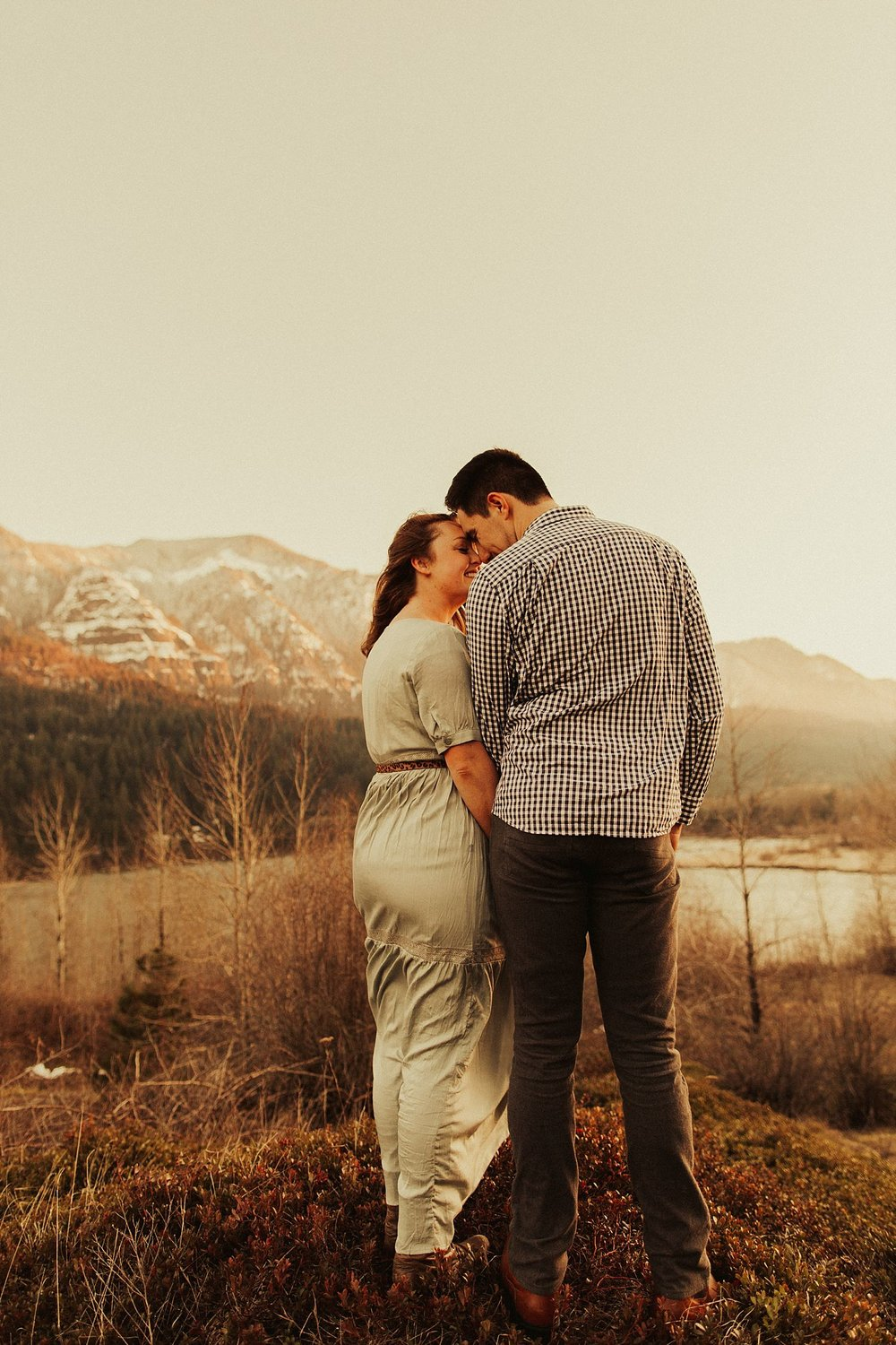 columbia-river-gorge-engagement-session_1642.jpg