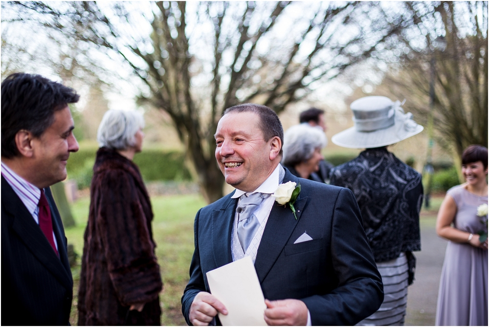 Notley thythe barn Buckinghamshire wedding photographer (3).jpg