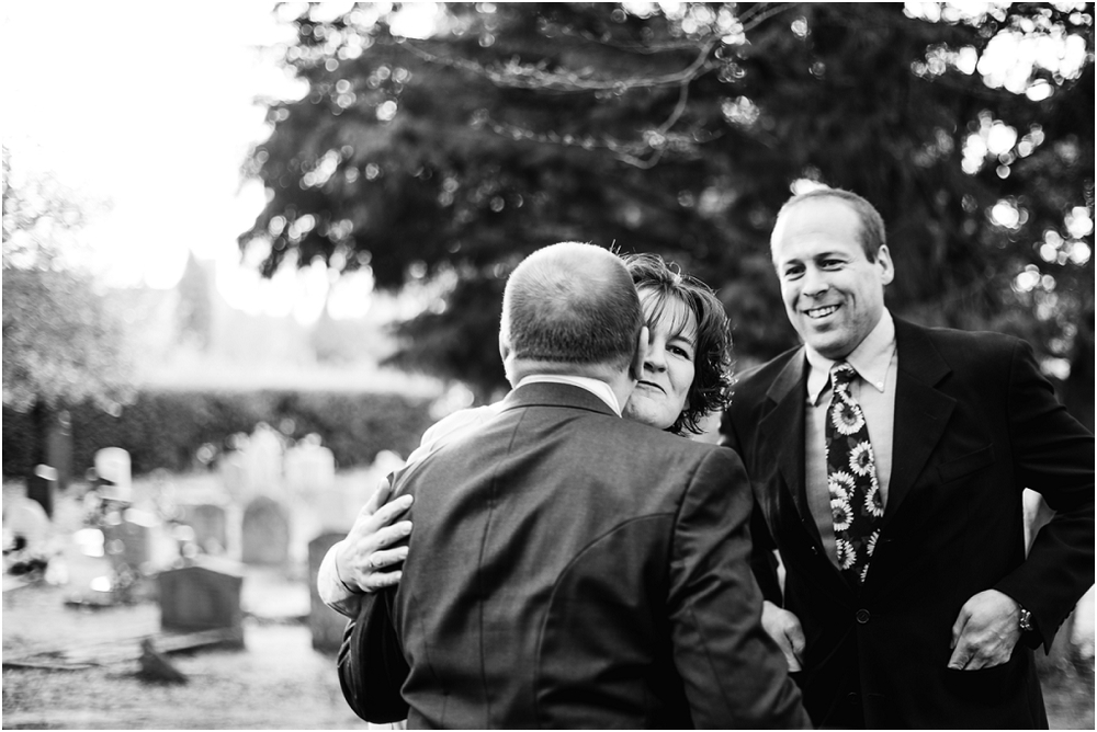 Notley thythe barn Buckinghamshire wedding photographer (2).jpg