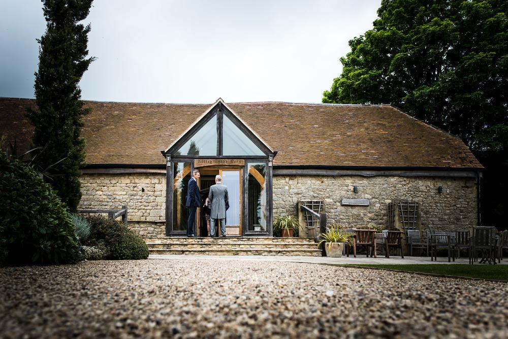 Notley tythe Barn - Kathryn & Paul-60.jpg