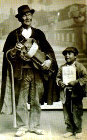 Un storyteller con su trainee