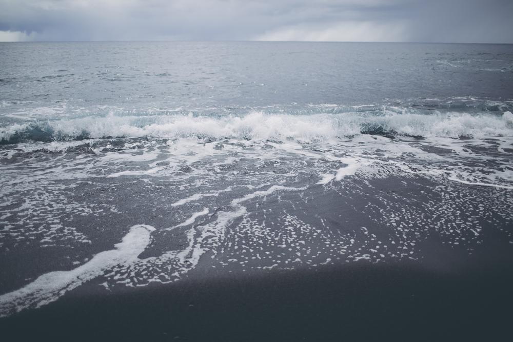 black-sand-beach_11.jpg