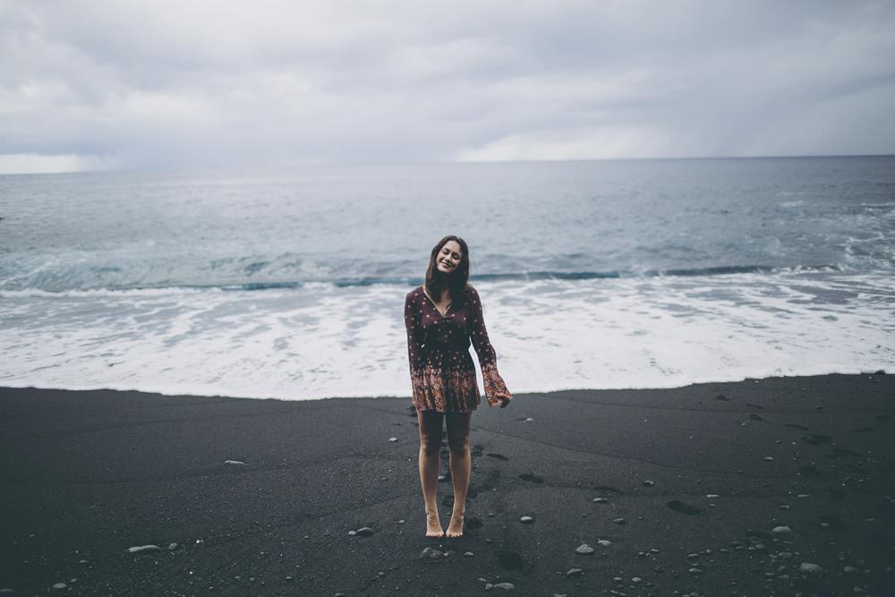 black-sand-beach_12.jpg