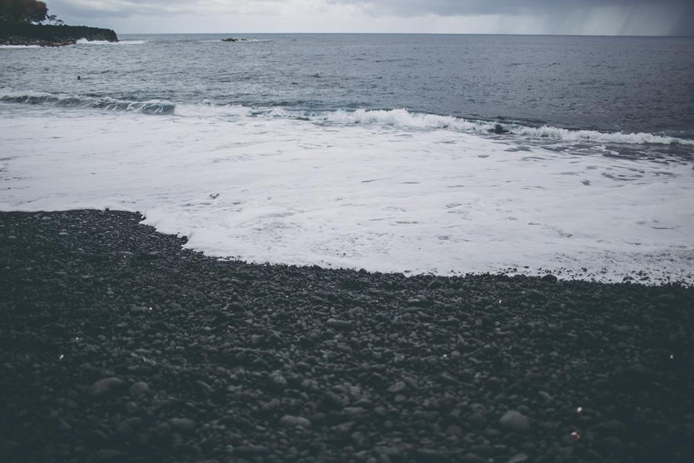 black-sand-beach_16.jpg