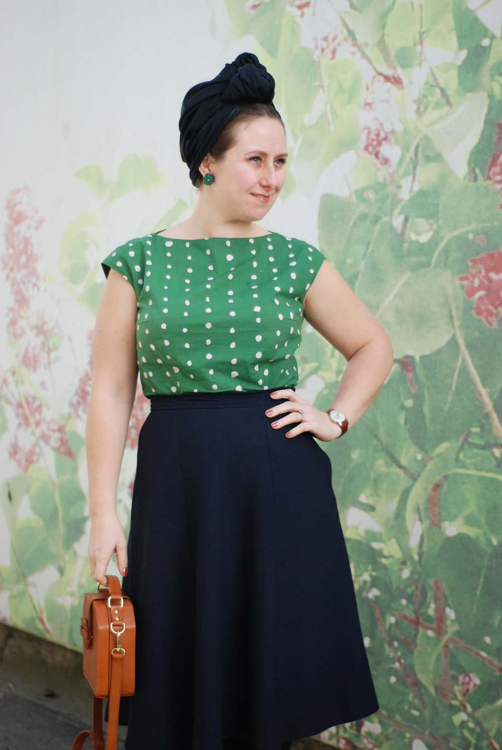 My free sewing pattern in a green fabric from Metermeter.dk and a blue skirt made from my no. 5 Århus sewing pattern. -