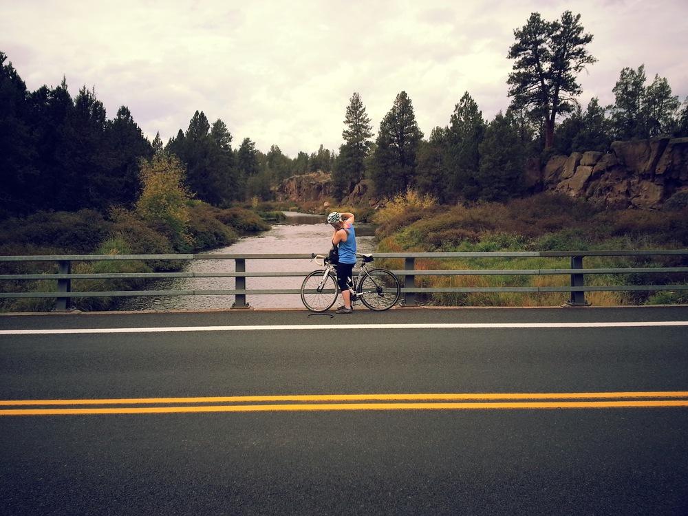 Deschutes-River-bikeride_heatherbyhand.jpg