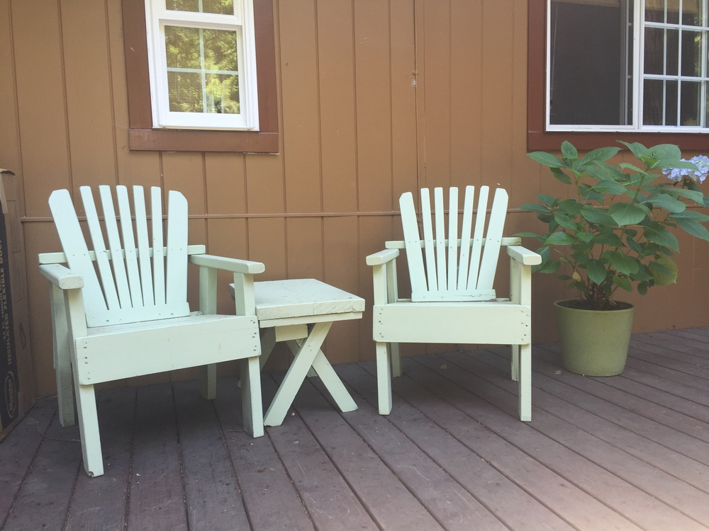 Patio-Furniture-before_heatherbyhand.JPG