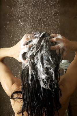 Lear the reasons for using clarifying shampoos.