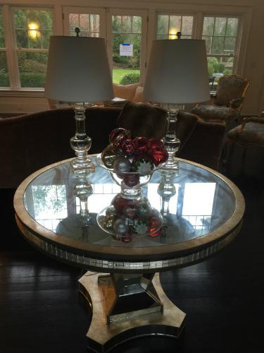 "42"" ROUND MECOX GARDEN ENTRANCE TABLE. PAIR GLASS TABLE LAMPS"