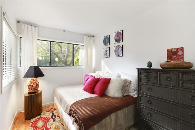 Guest Bedroom.jpeg