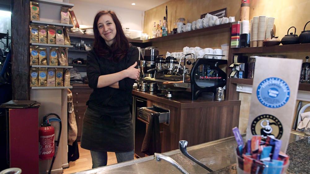 Watch the La Caféothèque video (click photo).