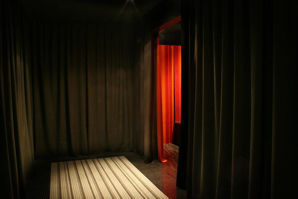 RED-Vestibule.jpg