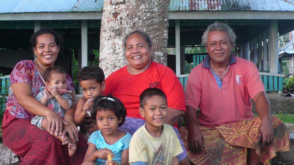 1 samoas-family.jpg