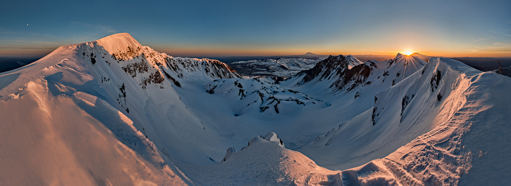 Dawn over Mount Saint Helens: 100-megapixel,  22-frame Panoramic Merger with Nikon D800 (CLICK TO VIEW FULL SCREEN)