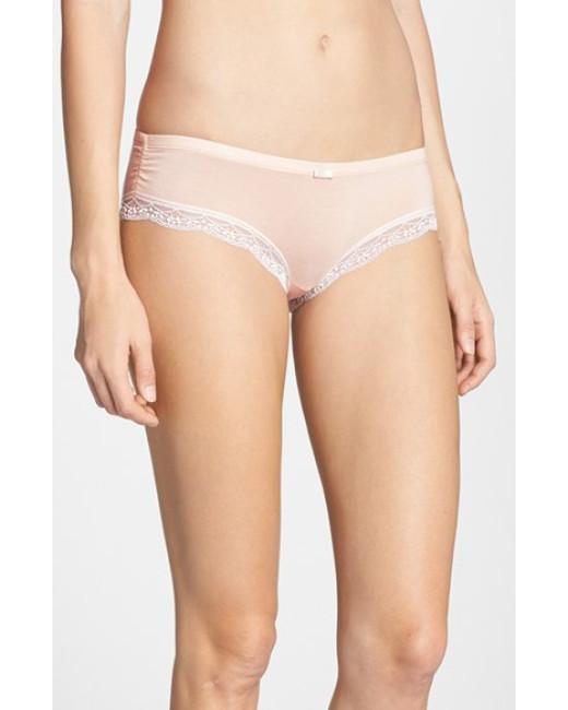 Tip to wearing the right undies | Kara Bettie Stylist | Fashion Blogger